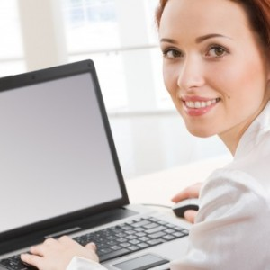 woman_smiling_notebook
